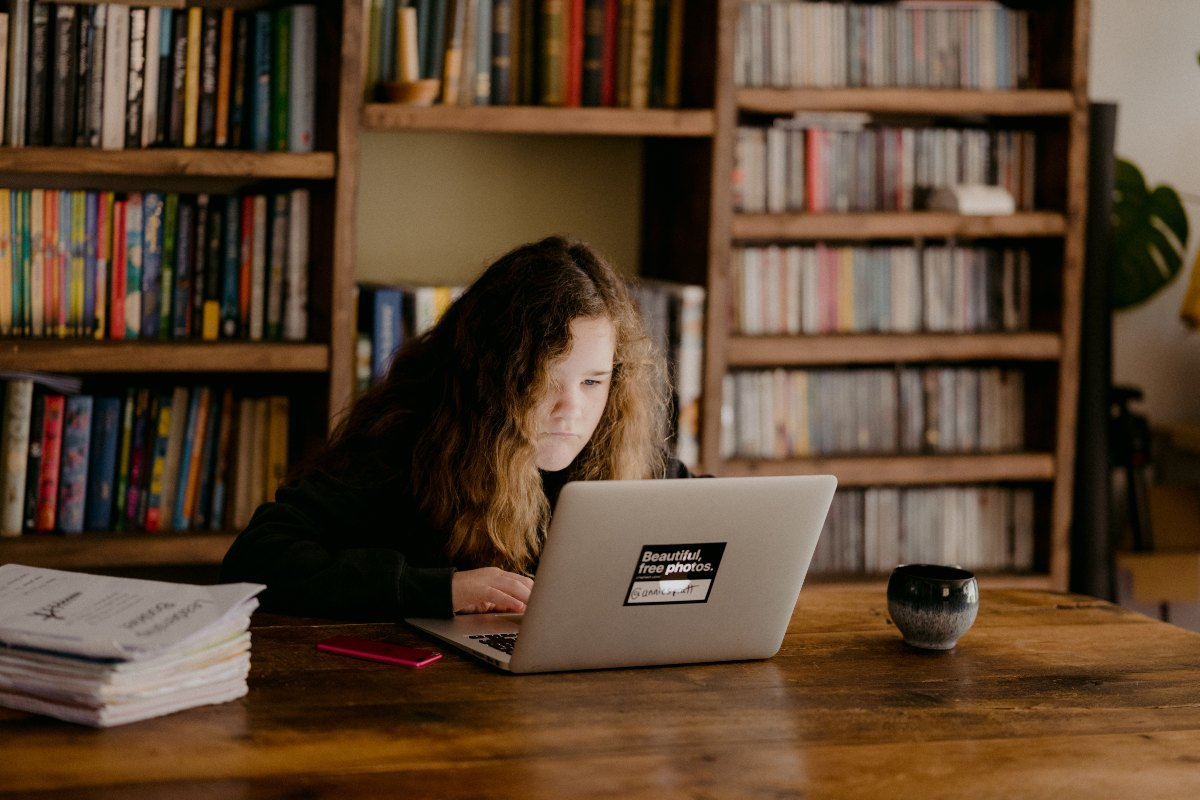 girl focusing on computer (1)