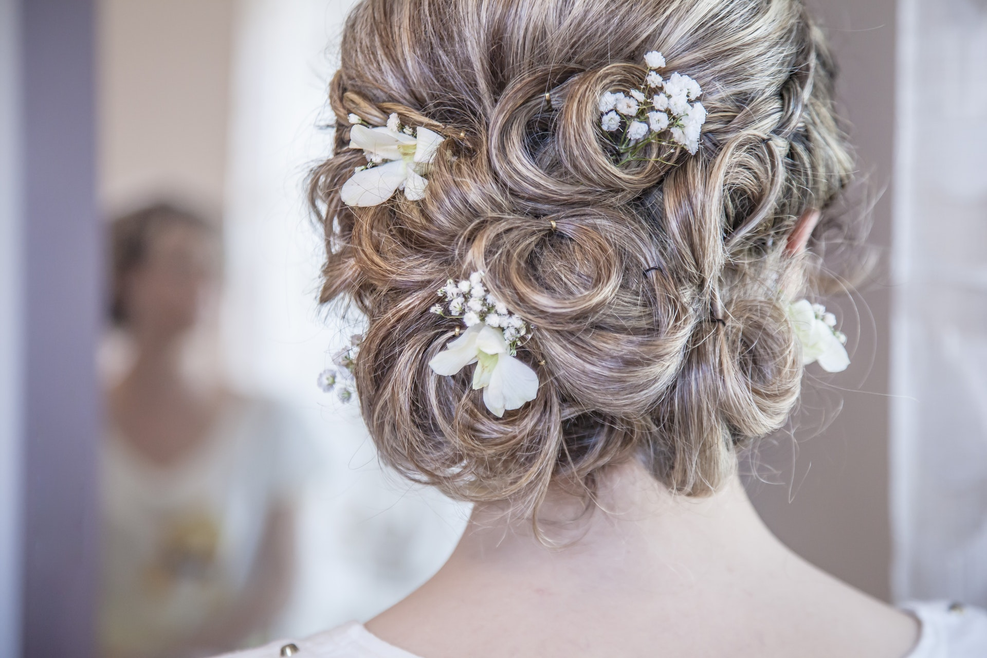 What Goes Into the Cost of Wedding Hair?